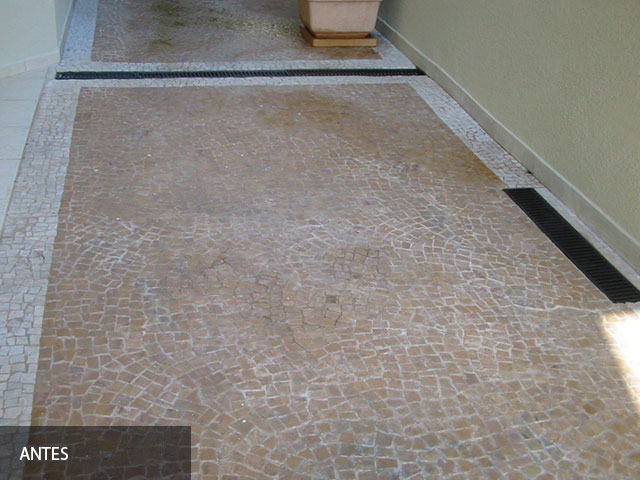 Mosaico Portugues Limpeza Antes